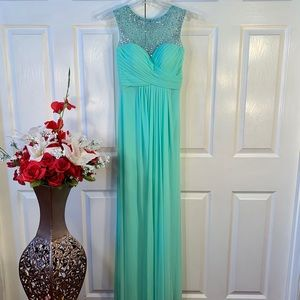 NWT MINT GOWN w BEADED TOOLE NECKLINE AND BACK